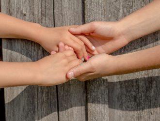 Детские игры на сплочение коллектива: давайте дружить!