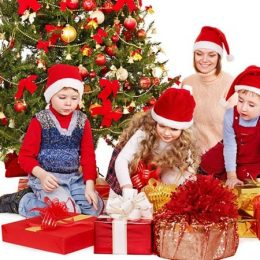 Что можно подарить ребенку на Рождество Христово